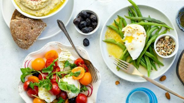 Mediterranean Diet Review: Does It Work for Weight Loss?