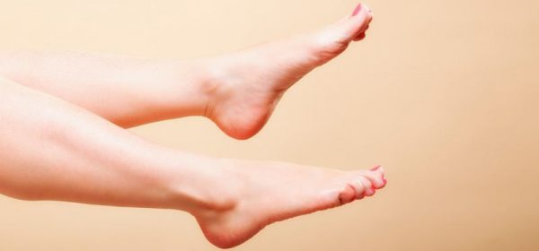 Say Goodbye to Cracked Heels with these Home Remedies