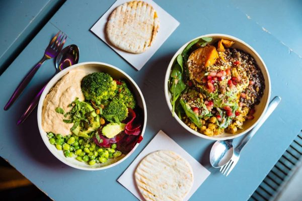 Noom vs. Mediterranean Diet: What's the Difference?