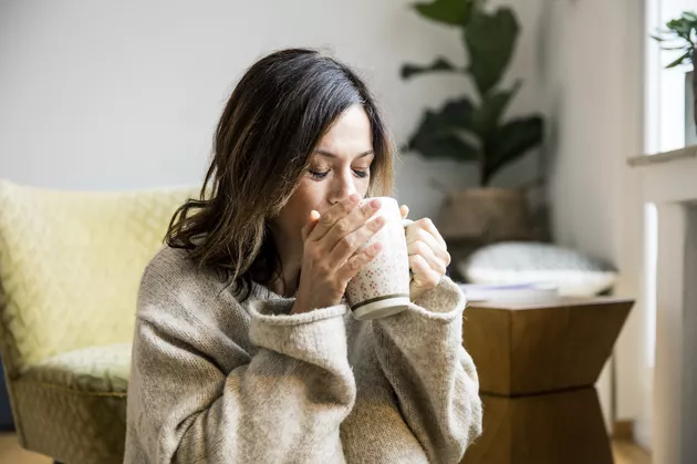 11 Natural Remedies for a Sore Throat, According to a Doctor