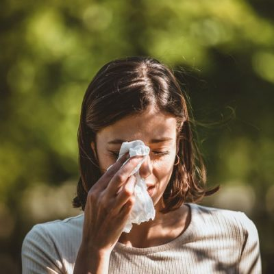 Natural Remedies for Hayfever: 6 Ways to Calm your Symptoms Down